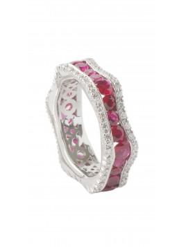 Anello in oro bianco, diamanti e rubini